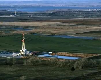 """石油巨头储量""""十年耗尽""""?能源转型资金""""青黄不接"""