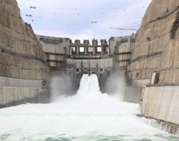 世界在建第一大<em>白鹤滩水电站</em>应急清渣施工