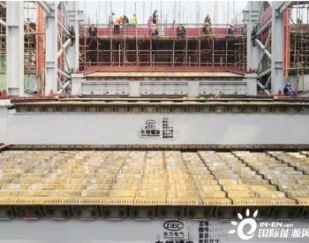 河南宜阳垃圾焚烧发电项目2号炉炉排吊装完成