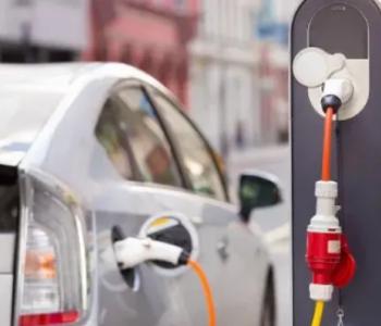 电动汽车加快入市,充电桩企业定位各异
