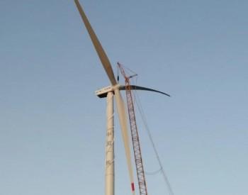 中广核安徽省定远县范岗乡捆绑分散式风电项目首台风机吊装完成