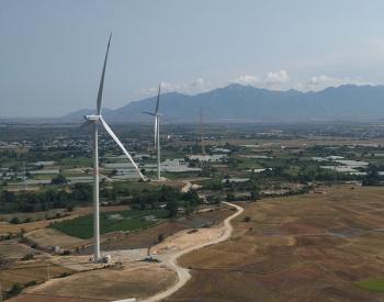 越南首台中国产风电机组成功并网发电