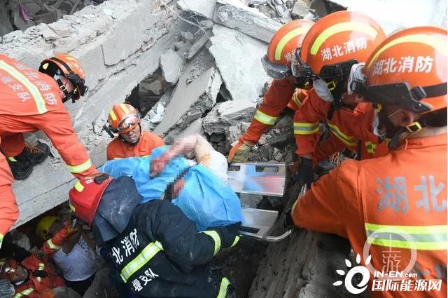 湖北十堰张湾区艳湖社区集贸市场发生燃气爆炸事故