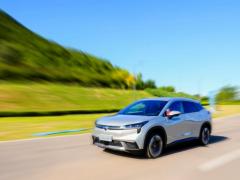 全国<em>新能源汽车保有量</em>达603万辆 占汽车总量的2.06%