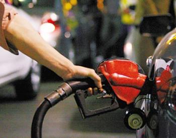 发改委:自2021年7月12日24时起国内汽、柴油价格每吨分别提高70元和65元