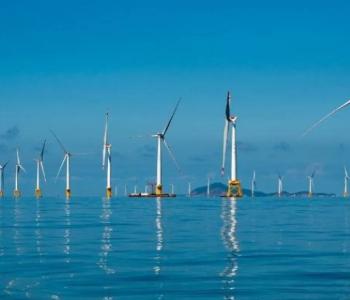 全球首台抗台风型漂<em>浮式海上风电机组</em>在广东阳江安装成功