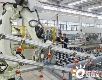 河南睢县鸿大光电集团调试智能化光伏玻璃生产线
