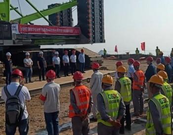 湖南宁远鲁观风电项目首台风机吊装完成