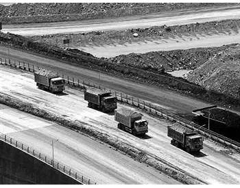 煤炭市场年中观察:价格高位运行 进口量跌两成