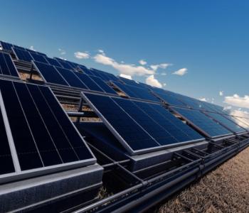 全球最新<em>可再生能源装机</em>统计出炉:中国占32%!