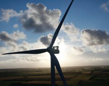 <em>维斯塔斯</em>投资起重企业 布局200米风电高塔领域!