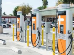 山东:到2025年建成公共领域<em>充换电站</em>8000座、充电桩15万个