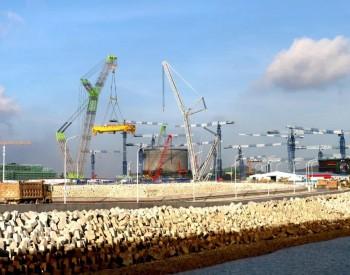 华龙一号漳州核电1号机组环吊桥架整体吊装就位