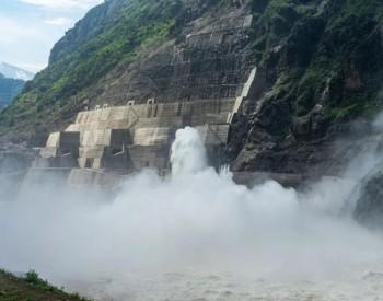 单洞18分钟灌满西湖!世界最大无压泄洪洞群启动试验性泄洪