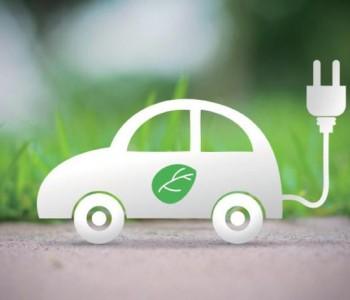 """新能源汽车""""变革""""中加速"""