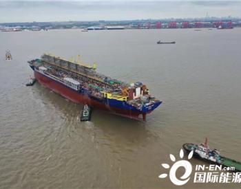 """30万吨级<em>油轮</em>""""猎鹰""""轮成功靠泊启东中远海运海工码头"""