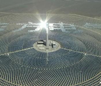 """""""超级镜子""""哈密50兆瓦塔式光热发电站满负荷运行"""