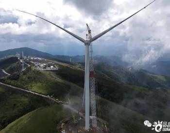 四川盐源大河项目首台机组顺利完成吊装