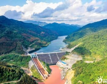 中企开发老挝南欧江流域梯级水电站投产发电