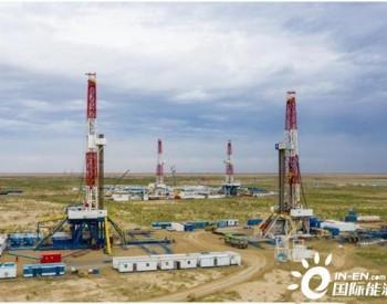 新疆油田原油日产突破4万吨 创两项开发新纪录