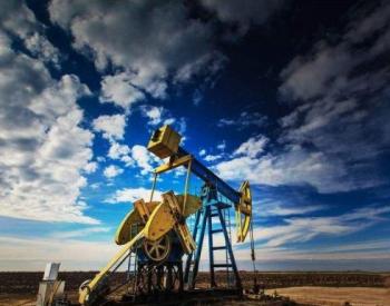 美国原油上周库存大增430万桶,油价重挫3%